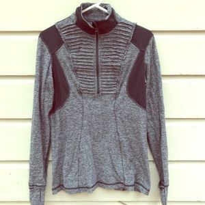 lululemon run your heart out pullover sz 10